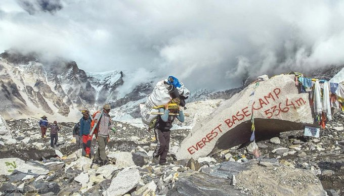 Nepali Climbers Cleaned 2.2 Tons of Garbage from Mt. Everest!